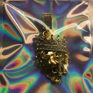 """Jewelry - Gold colored lion """"king"""" ice pendant necklace new"""